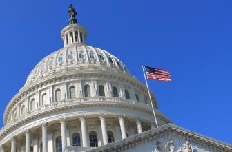 Представители SEC и CFTC посетят сенат для обсуждений криптовалютного рынка